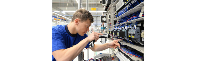 Wir freuen uns auf eine/n Elektroniker / Technischer Einkäufer /Industriekaufmann (m/w) (auch Studienabbrecher)