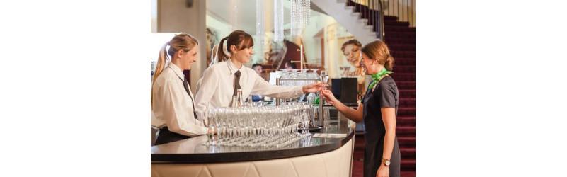 Abwechslungsreicher Nebenjob als Servicekraft oder (Host)ess auf spannenden Events sowie in den exklusivsten Hotels und Restaurants in München!